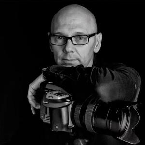 PEPE CASTRO - fotógrafo profesional, escritor y Miembro de la Real Academia Bellas Artes y Ciencias Históricas de Toledo.