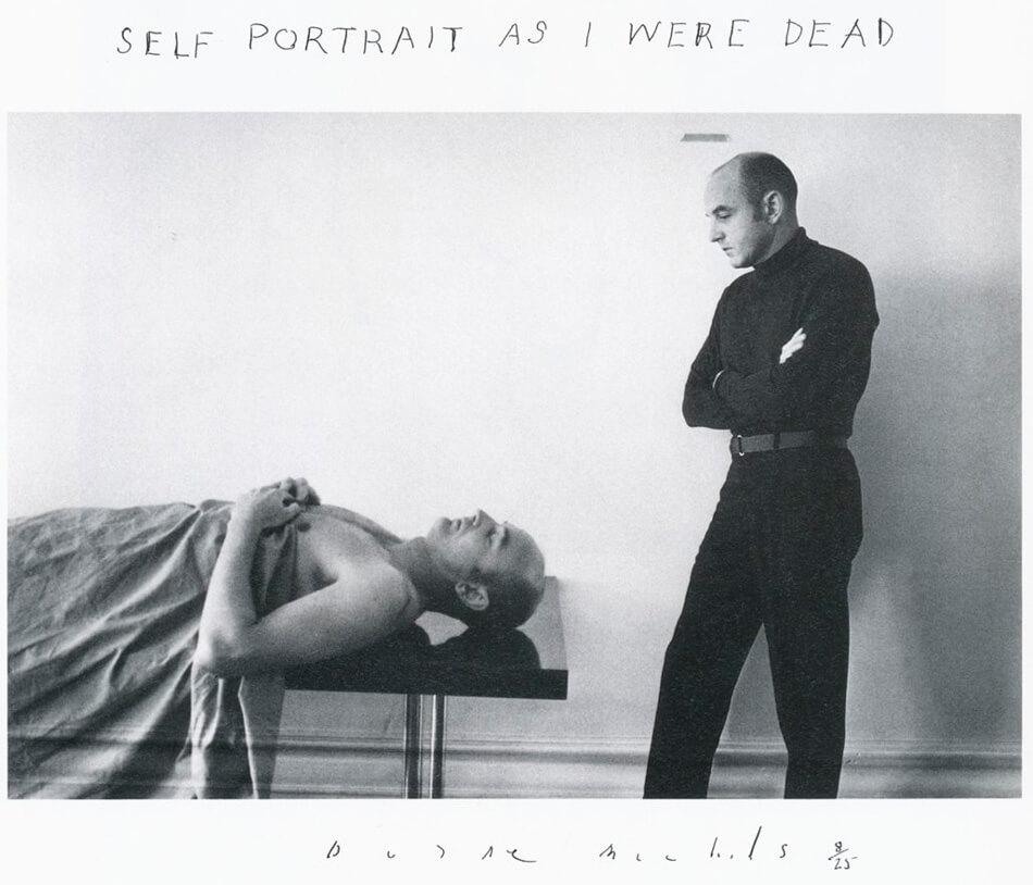 Autoretrato como si estuviera muerto de Duane Michals
