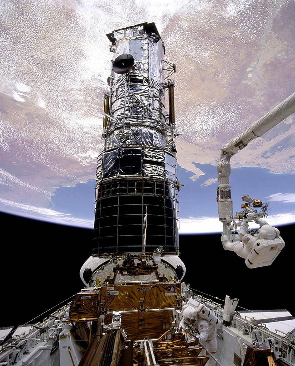 Transbordador espacial Endeavor. Hubble