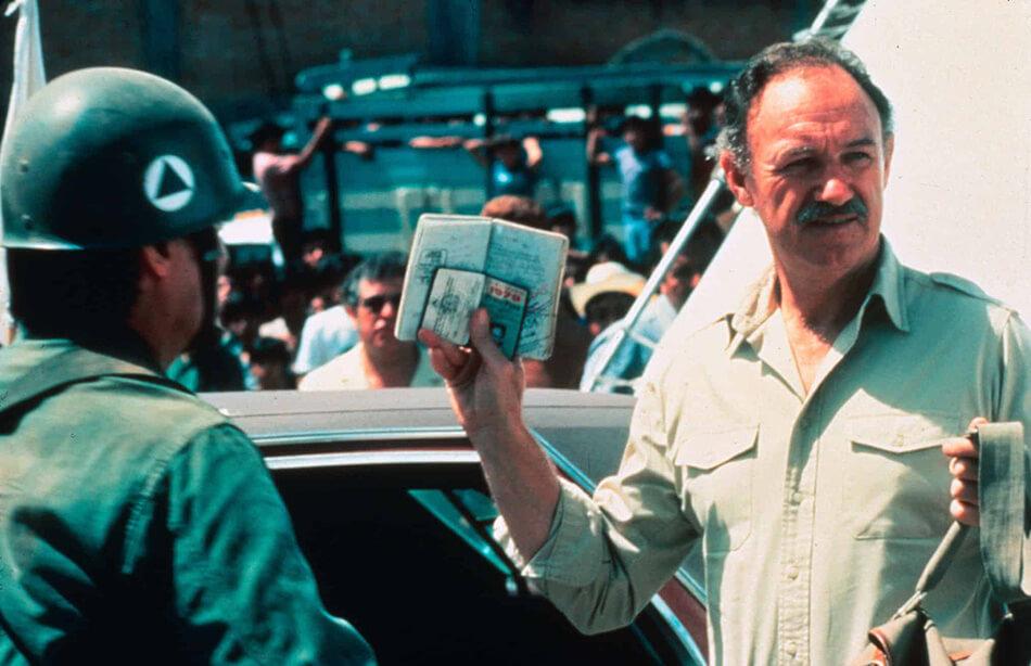 Gene Hackman en un fotograma de Bajo el fuego